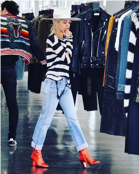 Rita Ora – Casual Stripes Look